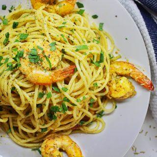 shrimp with garlic and mediterranean herbs spices pasta