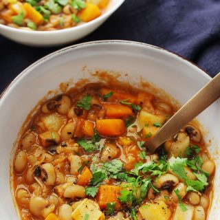 Mediterranean black eyed peas stew vertical