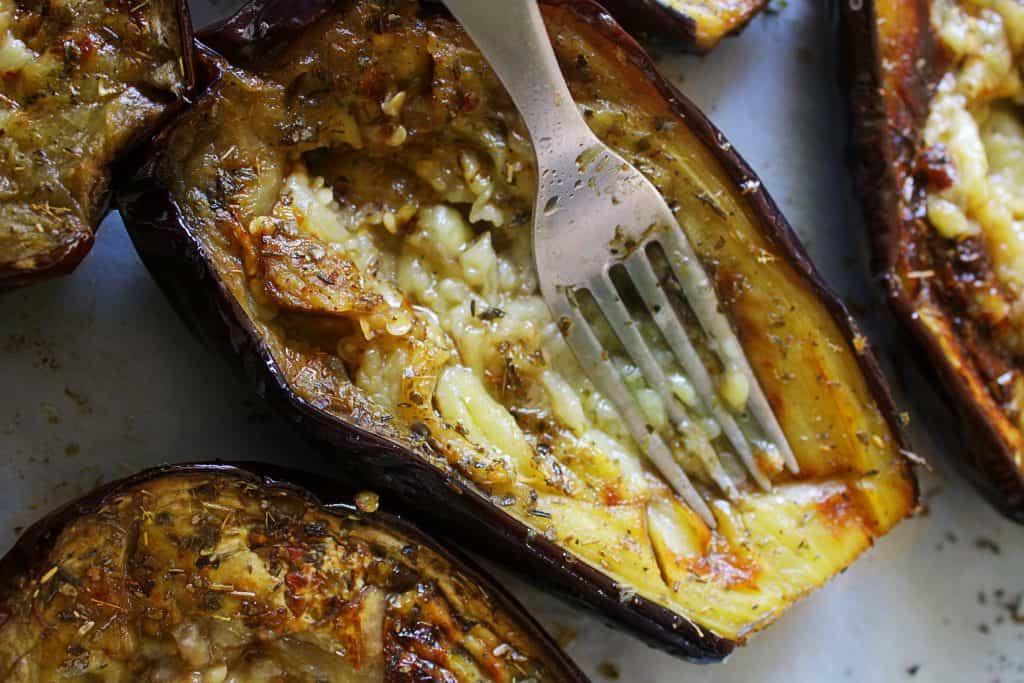 Greek Baked Stuffed Eggplant papoutsakia 4 www.30daysofgreekfood.com #bakedeggplant #stuffedeggplant