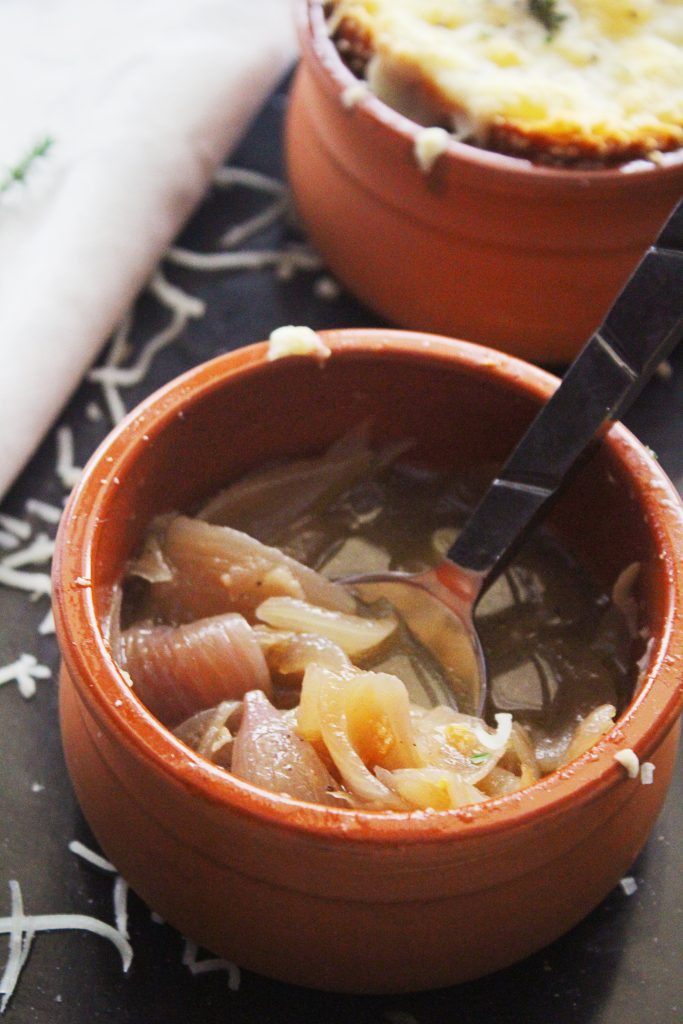 Mediterranean Onion Soup withoout cheese 30daysofgreekfood