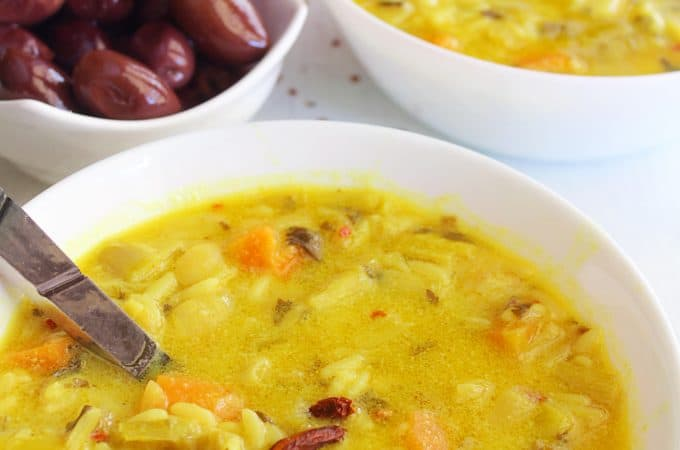 MEDITERRANEAN RICE STEW WITH EGG AND LEMON SAUCE