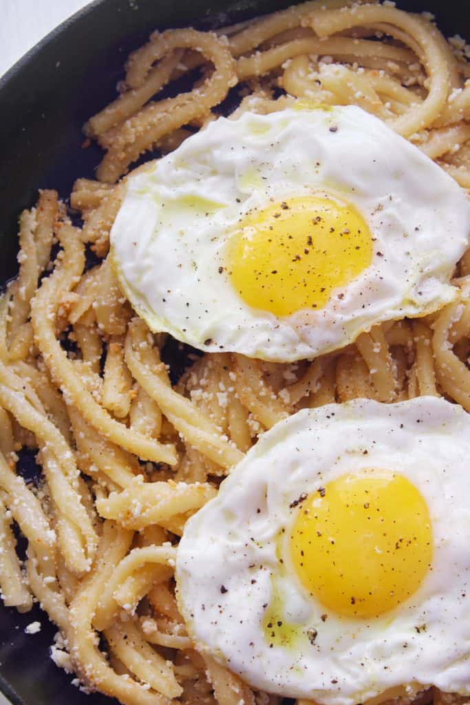 PASTA WITH MIZITHRA CHEESE AND EGG