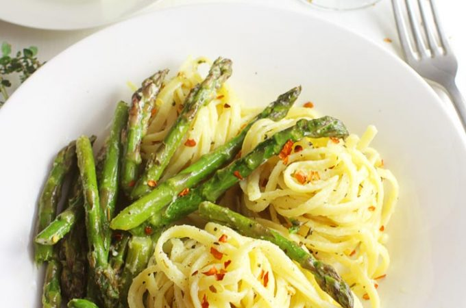 20 MINUTE ASPARAGUS PASTA WITH FETA CHEESE